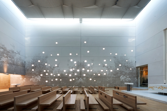 surface-design-awards-2-ospedale-giovanni-xxiii-chapel-gcpro-it-001