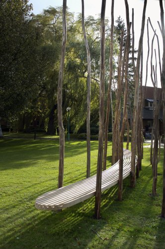 This imposing Kontiki Bench commissioned by TTP for Melbourn Science Park is designed to simulate the experience of sitting in a forest. The sweet chestnut poles are in fact entire saplings sustainably produced from forest thinnings.