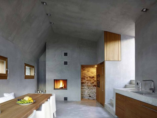 543dd604c07a80762d000250_stone-house-transformation-in-scaiano-wespi-de-meuron-romeo-architects_1430_cf030937.jpg