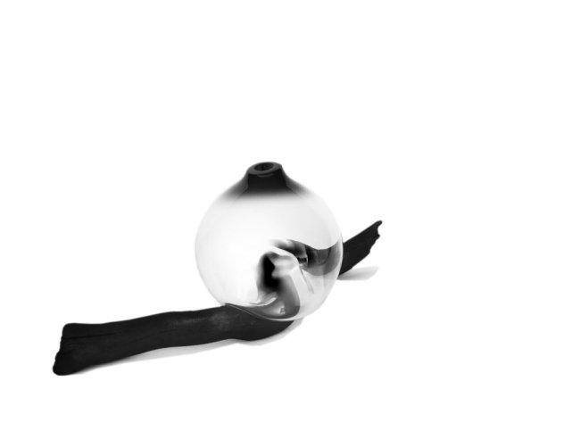 drift-vase-black-esque-studio.jpg